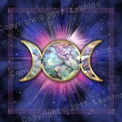 Opal Triple Moon - Tarot Throw Tapestry